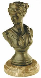 D.053m - Görög női fej,márványon