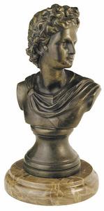 D.054m - Görög férfi fej, márványon