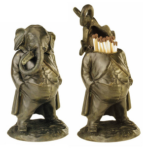 D.072 - Match-holder elephant