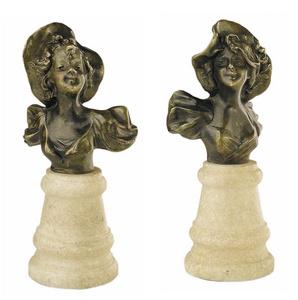 D.163m - Kalapos női fig.mellszobor páros, kicsi, márványon
