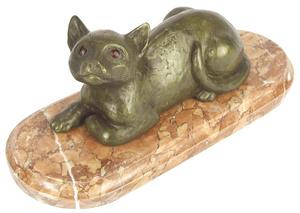 M.060m - Gyulavári Pál: Macska fekvő, márványon